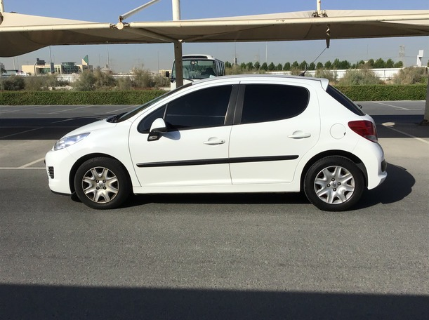 Used 2011 Peugeot 207 for sale in dubai