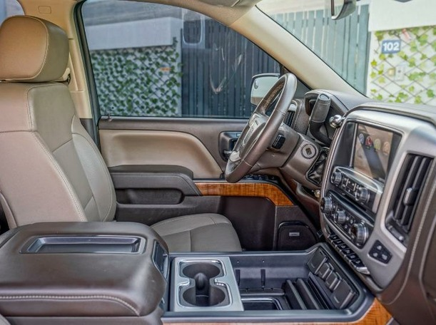 Used 2014 GMC Sierra for sale in dubai