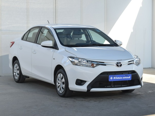 Used 2017 Toyota Yaris for sale in ajman
