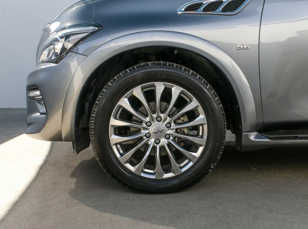 Used 2016 Infiniti QX80 for sale in dubai