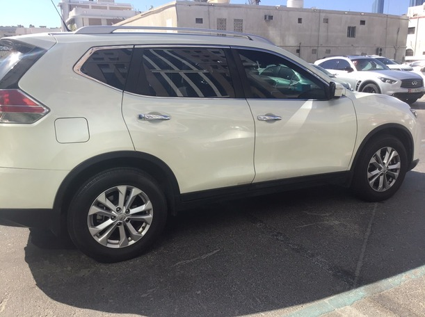 Used 2015 Nissan X-Trail for sale in abudhabi