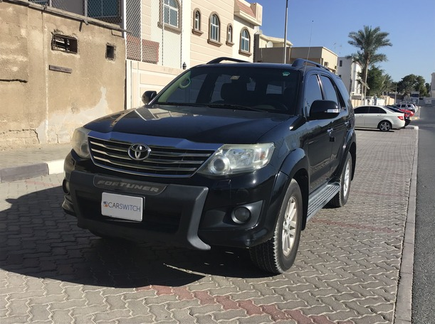Used 2013 Toyota Fortuner for sale in sharjah