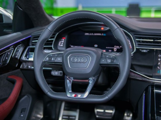 Used 2020 Audi Q8 for sale in dubai