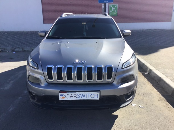 Used 2015 Jeep Cherokee for sale in abudhabi