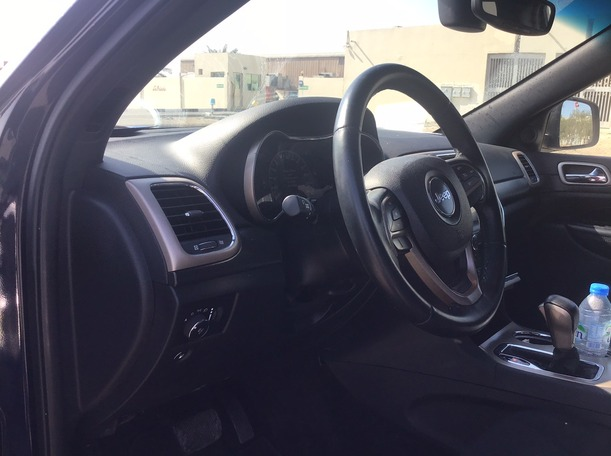 Used 2017 Jeep Grand Cherokee for sale in abudhabi