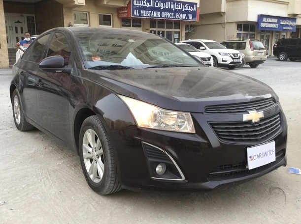 Used 2013 Chevrolet Cruze for sale in sharjah