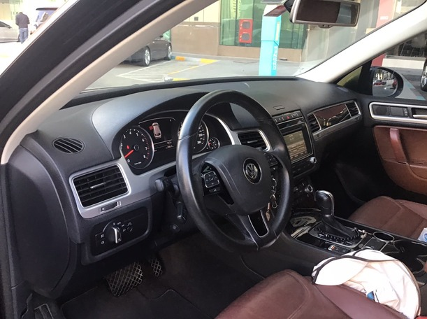 Used 2016 Volkswagen Touareg for sale in abudhabi