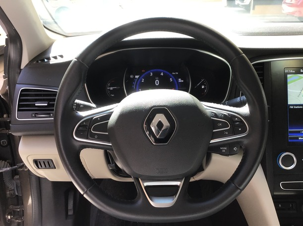 Used 2018 Renault Megane for sale in dubai
