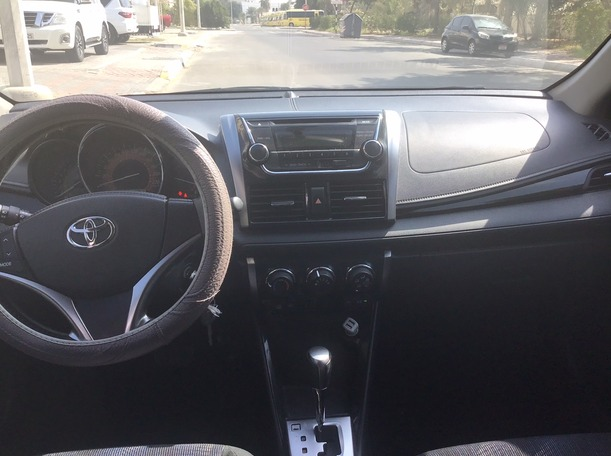 Used 2015 Toyota Yaris for sale in abudhabi