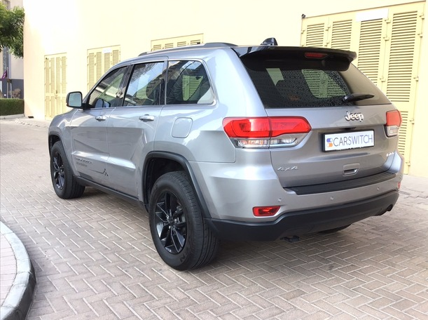 Used 2017 Jeep Grand Cherokee for sale in dubai