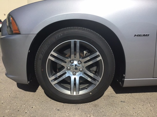 Used 2013 Dodge Charger for sale in abudhabi