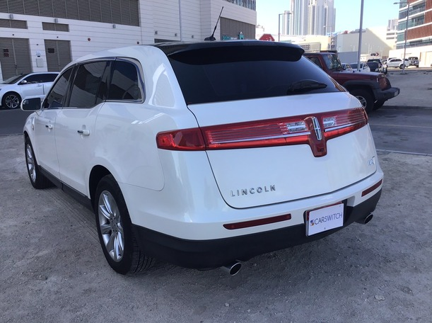 Used 2014 Lincoln MKT for sale in abudhabi
