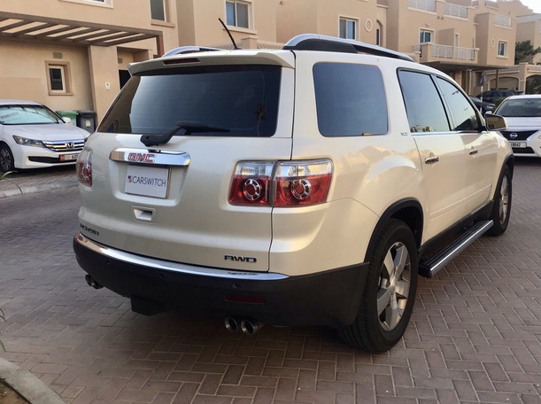 Used 2009 GMC Acadia for sale in abudhabi