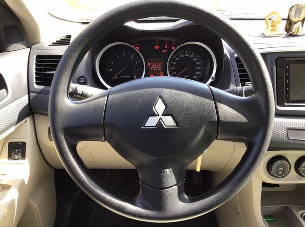 Used 2015 Mitsubishi Lancer for sale in dubai