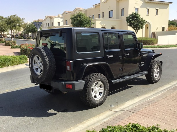 Used 2014 Jeep Wrangler for sale in dubai