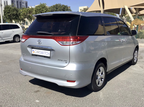 Used 2013 Toyota Previa for sale in abudhabi