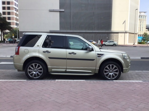 Used 2009 Land Rover LR2 for sale in dubai