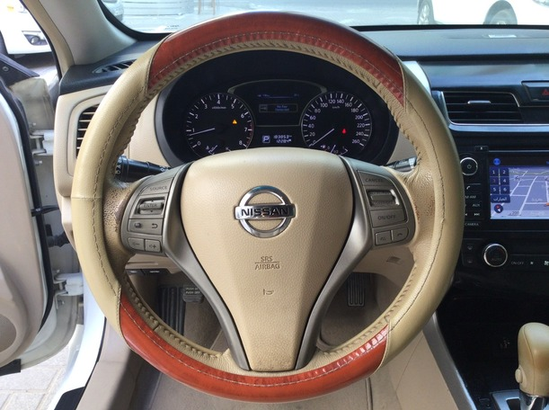 Used 2013 Nissan Altima for sale in sharjah