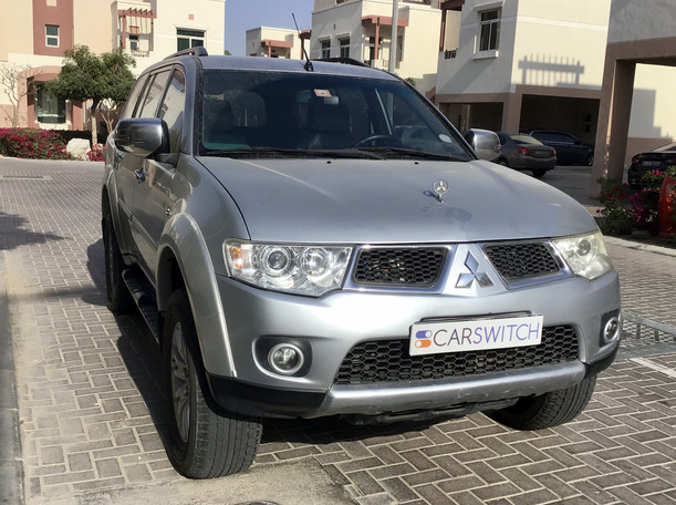 Used 2013 Mitsubishi Pajero for sale in dubai
