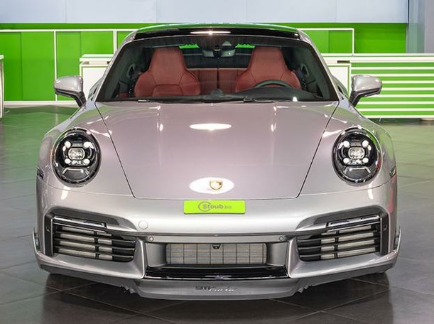 Used 2021 Porsche 911 Turbo for sale in dubai