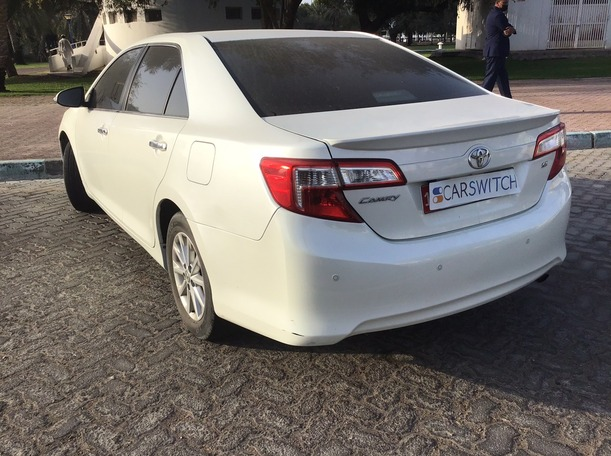 Used 2015 Toyota Camry for sale in abudhabi