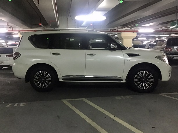 Used 2014 Nissan Patrol for sale in abudhabi