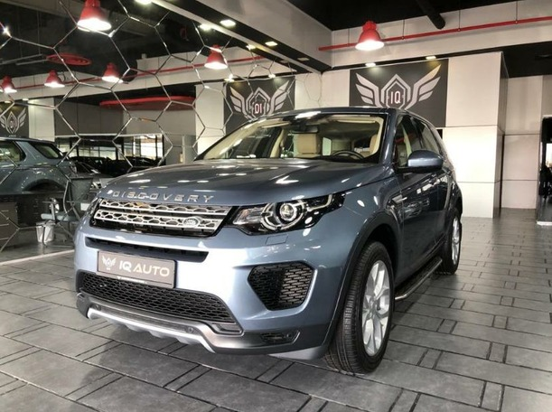 Used 2019 Land Rover Discovery Sport for sale in dubai