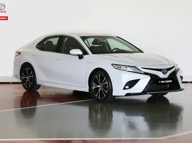 Used 2019 Toyota Camry for sale in dubai