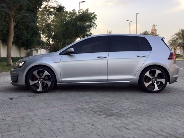 Used 2016 Volkswagen Golf for sale in abudhabi