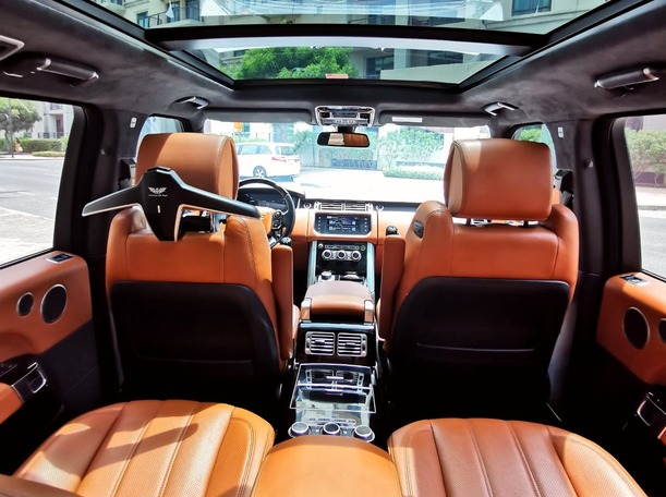 Used 2016 Range Rover Vogue for sale in dubai