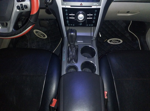 Used 2014 Ford Explorer for sale in dubai