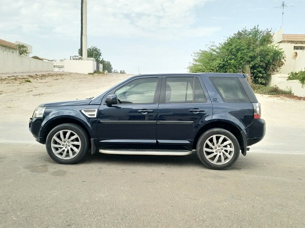 Used 2013 Land Rover LR2 for sale in dubai