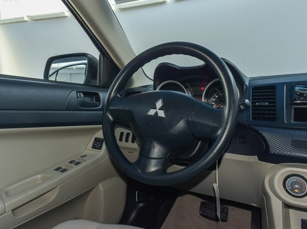 Used 2019 Hyundai Accent for sale in sharjah