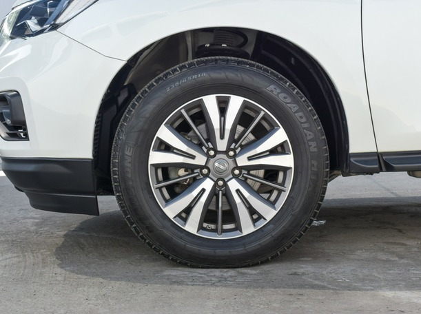 Used 2018 Nissan Pathfinder for sale in ajman