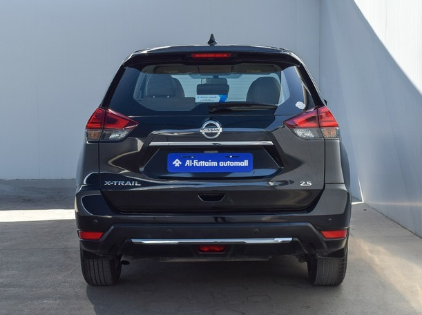 Used 2018 Nissan X-Trail for sale in ajman