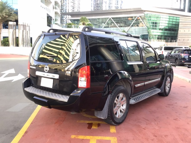 Used 2009 Nissan Pathfinder for sale in dubai