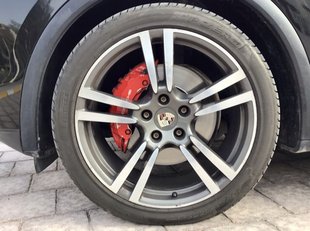 Used 2012 Porsche Cayenne S for sale in abudhabi