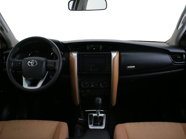Used 2019 Toyota Fortuner for sale in dubai