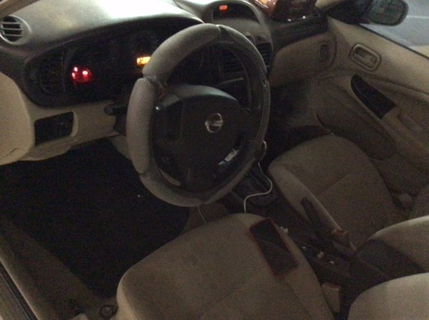 Used 2010 Nissan Sunny for sale in abudhabi