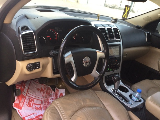 Used 2010 GMC Acadia for sale in sharjah