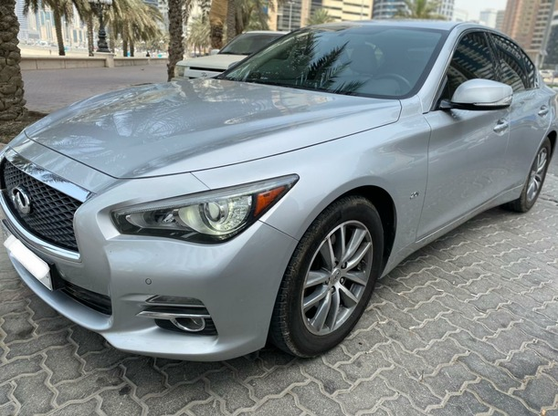 Used 2017 Infiniti Q50 for sale in sharjah