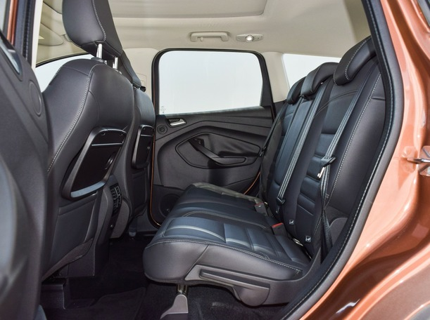 Used 2018 Ford Escape for sale in abudhabi