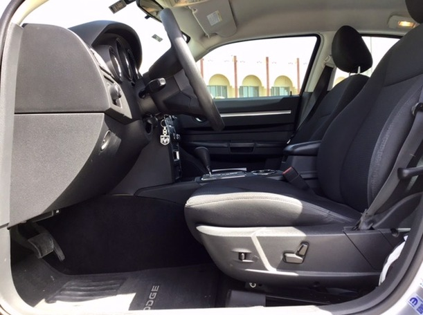 Used 2010 Dodge Charger for sale in abudhabi