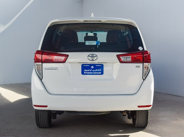 Used 2018 Toyota Innova for sale in sharjah