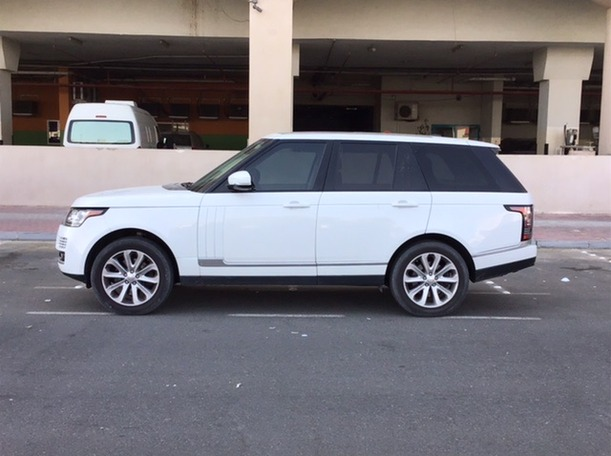 Used 2014 Range Rover HSE for sale in dubai