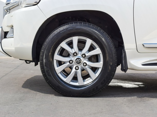 Used 2017 Toyota Land Cruiser for sale in sharjah
