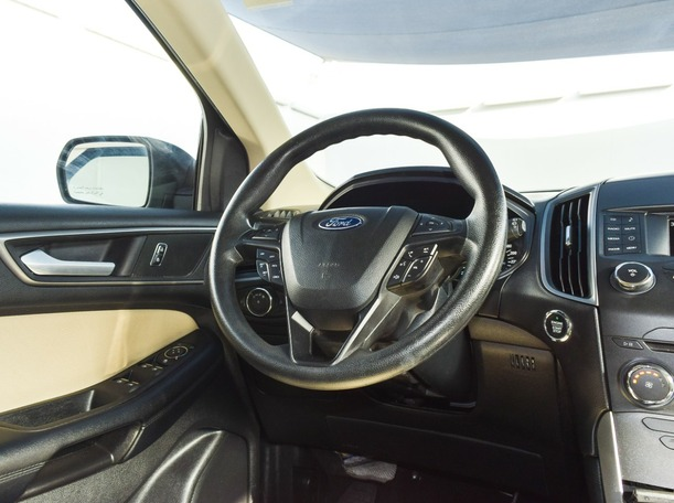 Used 2017 Ford Edge for sale in ajman