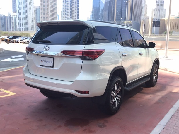 Used 2020 Toyota Fortuner for sale in dubai