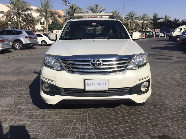 Used 2015 Toyota Fortuner for sale in abudhabi