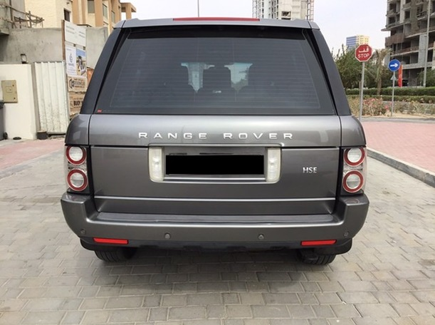 Used 2011 Range Rover Vogue for sale in dubai